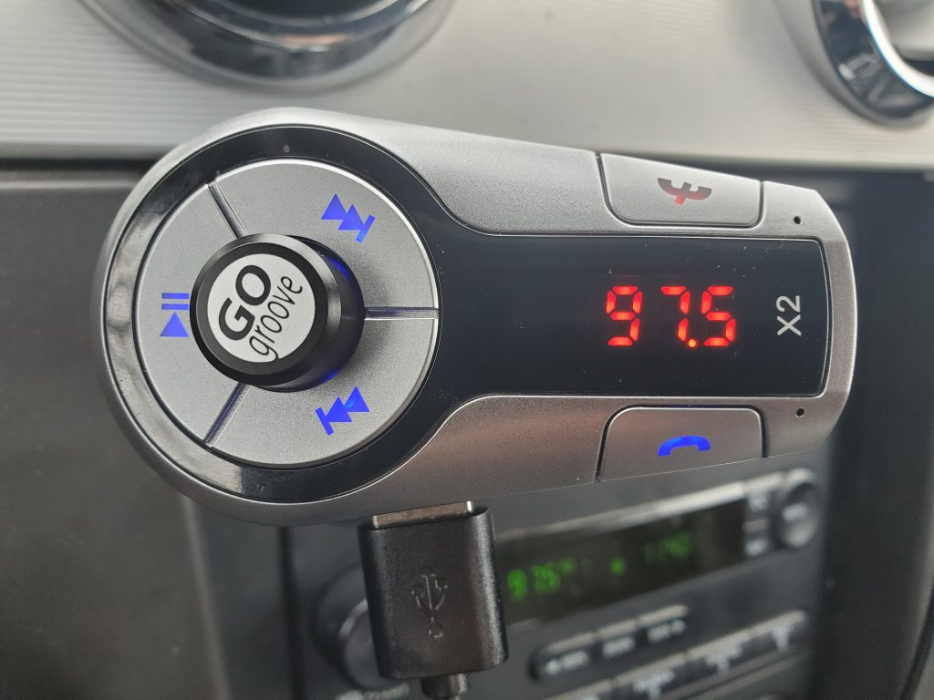 GoGroove Flexsmart X2 Review, a close-up of the FM transmitter.