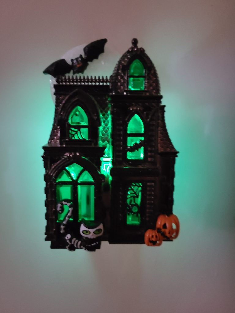 Bath and Body Works Wallflowers Review- Haunted House diffuser