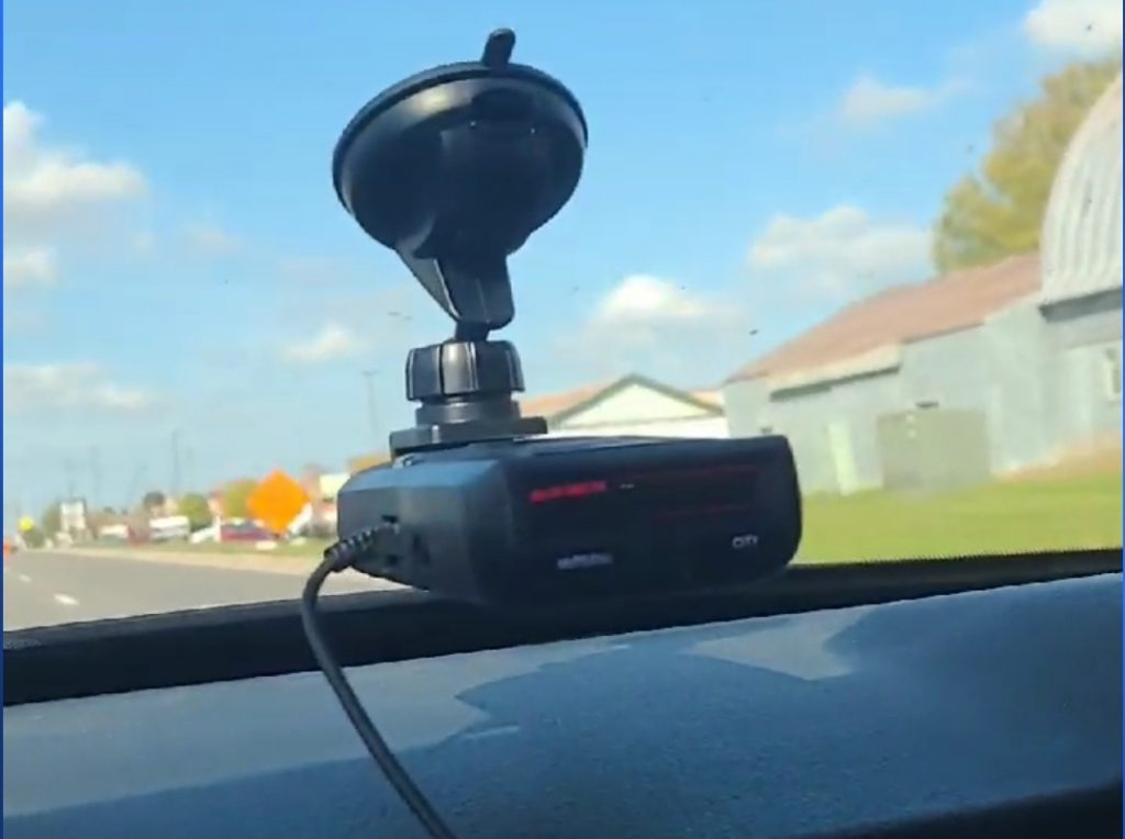 Uniden R1 Review, another picture of the radar detector.