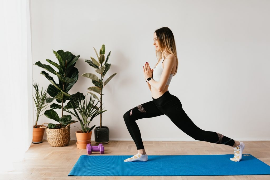 Photo by Karolina Grabowska from Pexels, Let's discuss some alternatives to squats and lunges for bad knees.