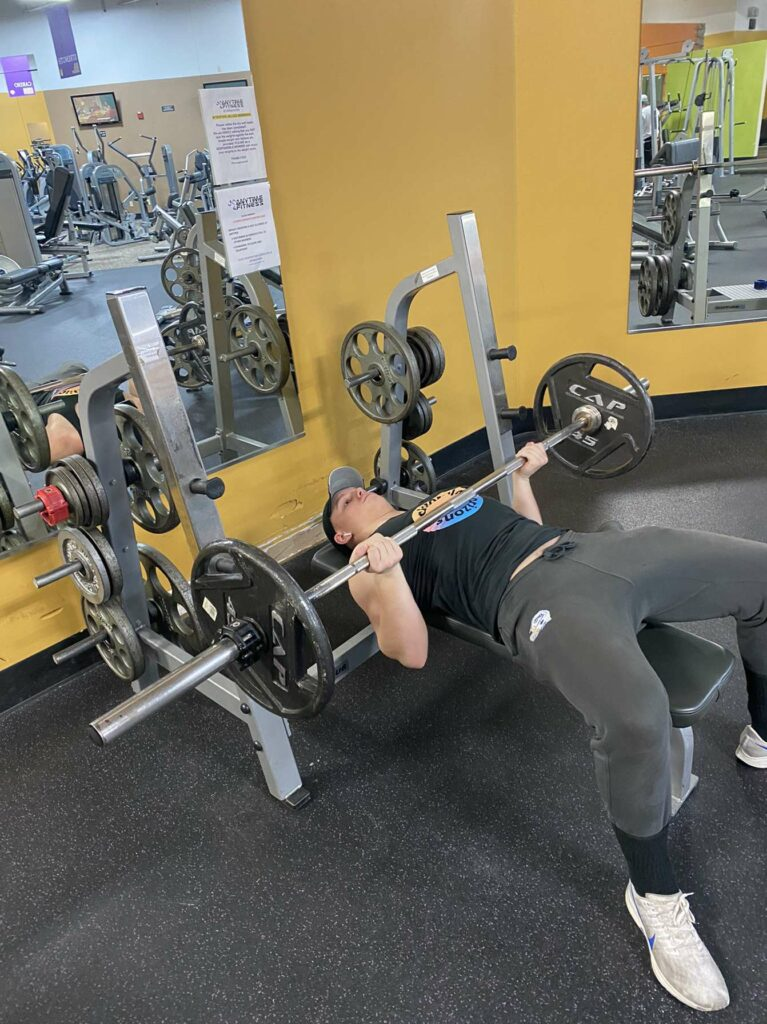 Reverse Grip Bench Press, end of the movement